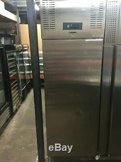 Commercial Capital Single Door Fridge / Upright Refrigerator EZ101
