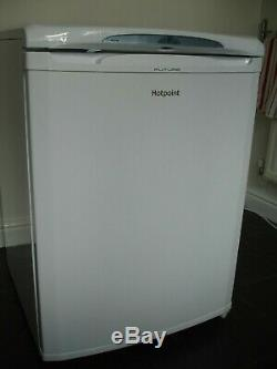 Hotpoint RLA36P 149L A+ Under Counter Fridge White. Less than 1 month old
